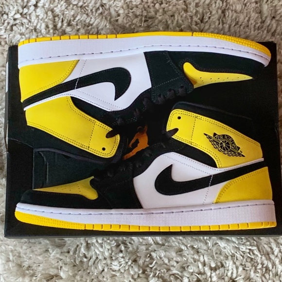 kup tanio sprzedaż obuwia niepokonany x Nike Jordan 1 Mid SE Lakers 852542-071 Yellow Toe NWT